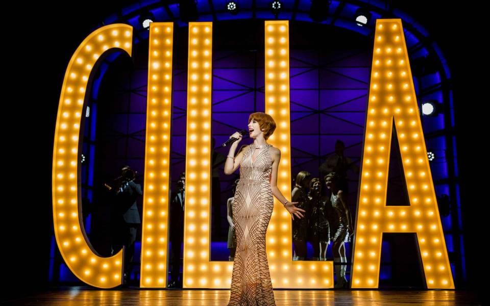 Kara-Lily-Hayworth-Cilla-Cilla-The-Musical-Liverpool-Empire-Photo-By-Matt-Martin-014